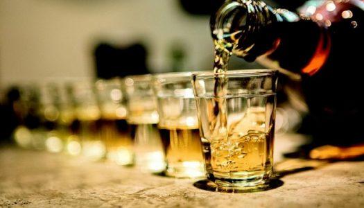 FBHA ajuizou em defesa de todas as empresas filiadas aos sindicatos fluminenses, anulando os termos da LEI que impunha a inclusão de cachaça produzida no RJ nas cartas de bebidas de hotéis, restaurantes, bares e similares