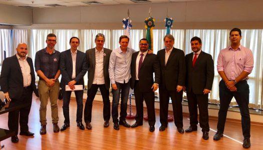 Decreto autoriza a suspensão das restrições de entrada e circulação de veículos de carga no Rio por 30 dias