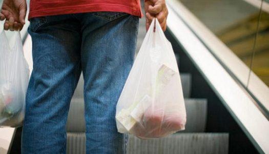 Substituição e recolhimento de sacolas plásticas em estabelecimentos comerciais – Ciclo de reciclagem e proteção ao Meio Ambiente Fluminense