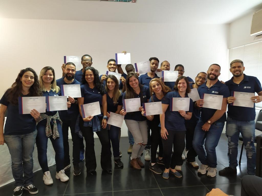 Cerca de 60 jovens foram formados pela parceria do projeto Learning For Life